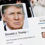 Sự cố hy hữu với tài khoản Twitter của Donald Trump bất ngờ biến mất!